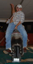 Photo bucking bull riding